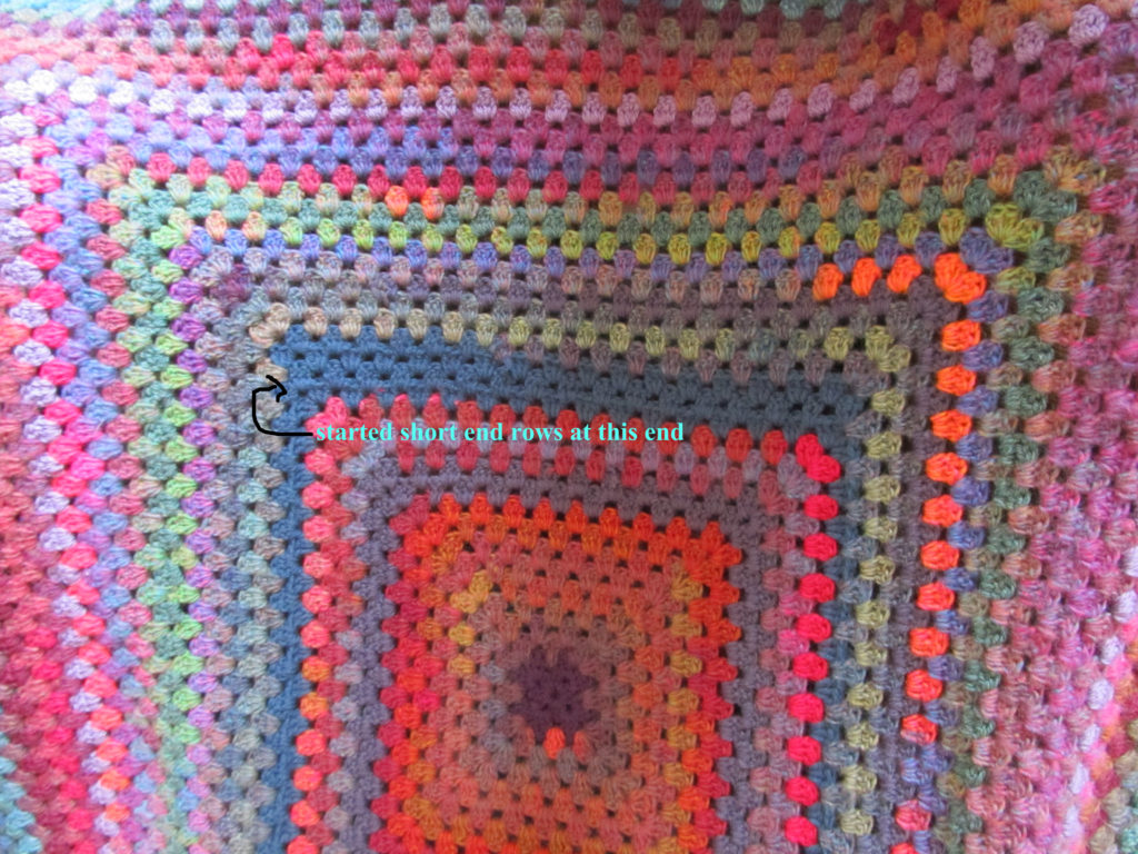 Tutorial: How to make a rectangular Granny Square blanket.