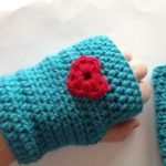 aqua fingerless glove