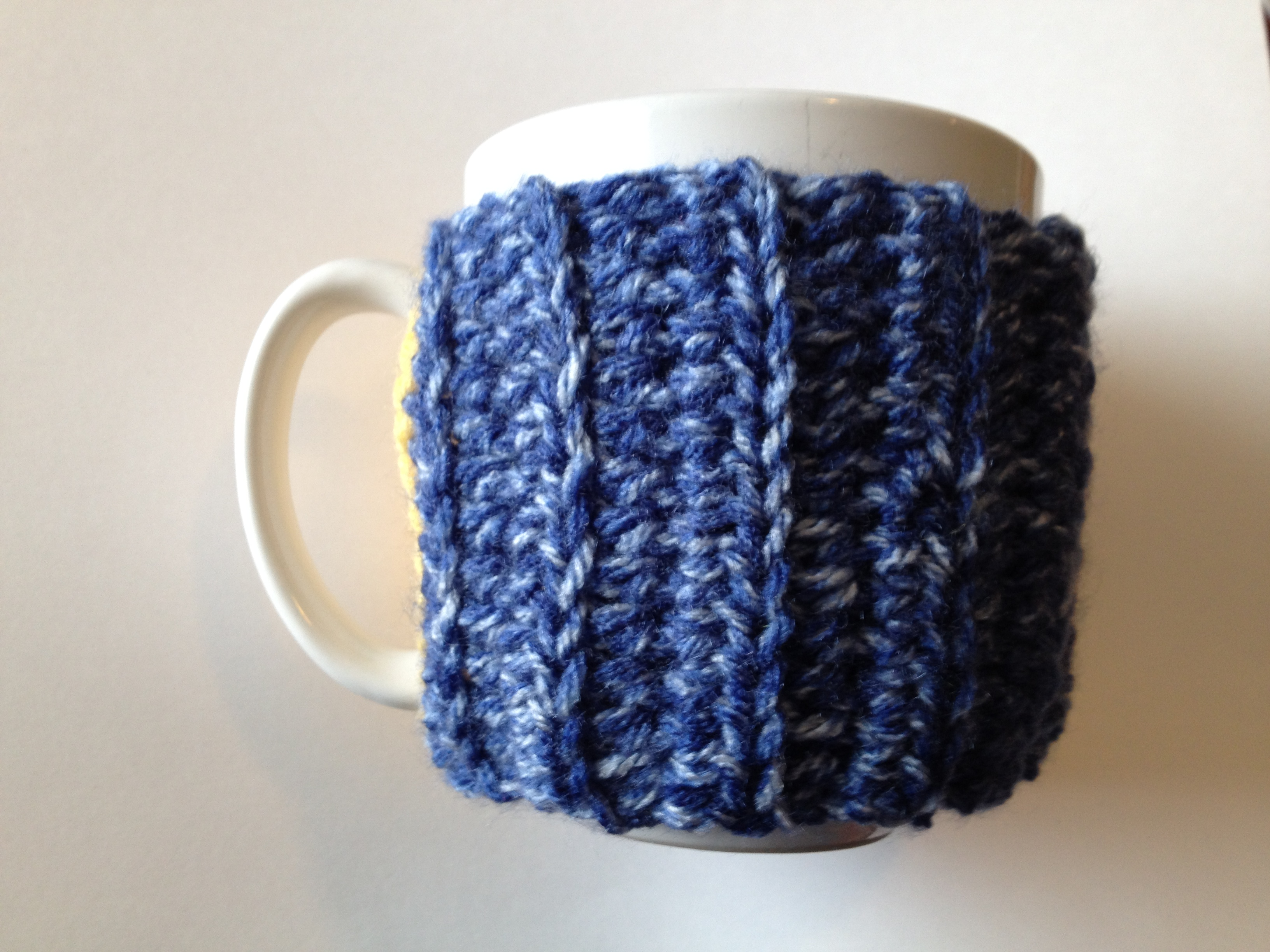 Free mug cozy pattern chocolate dog studio for Cup cozy pillow
